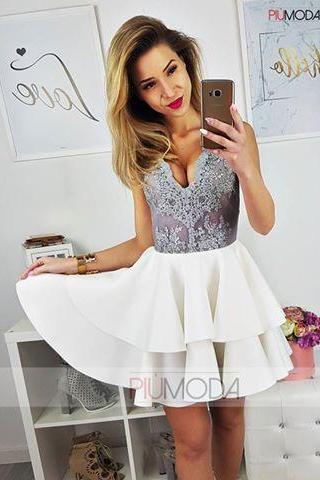 2018 White Ball Gown Homecoming Dresses V Neck Sleeveless Lace Bodice Mini Short Cocktail Dress Prom Dress Party Gowns Vestidos