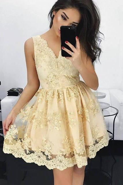 2018 Light Yellow Ball Gown Homecoming Dresses V Neck Sleeveless Lace Bodice Mini Short Cocktail Dress Prom Dress Party Gowns Vestidos