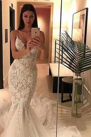 2018 Backless Wedding Dresses Mermaid Spaghetti Lace Tulle Bridal Gowns Tower Beaded Chapel Train Bridal Gowns