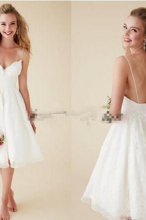 2018 Cute Short Beach Wedding Dresses V Neck Spaghetti Straps Knee Length Sexy Backless Wedding Gowns White Lace Bridal Dresses