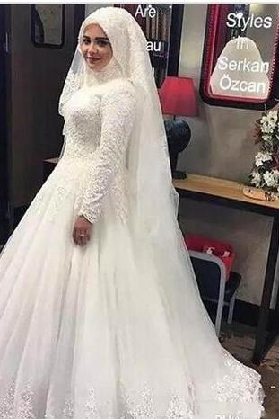 Lace High Neck Muslim Wedding Dresses 2018 With Long Sleeve Floor Length Pleats Applique Bridal Gowns Custom Made Wedding Gowns